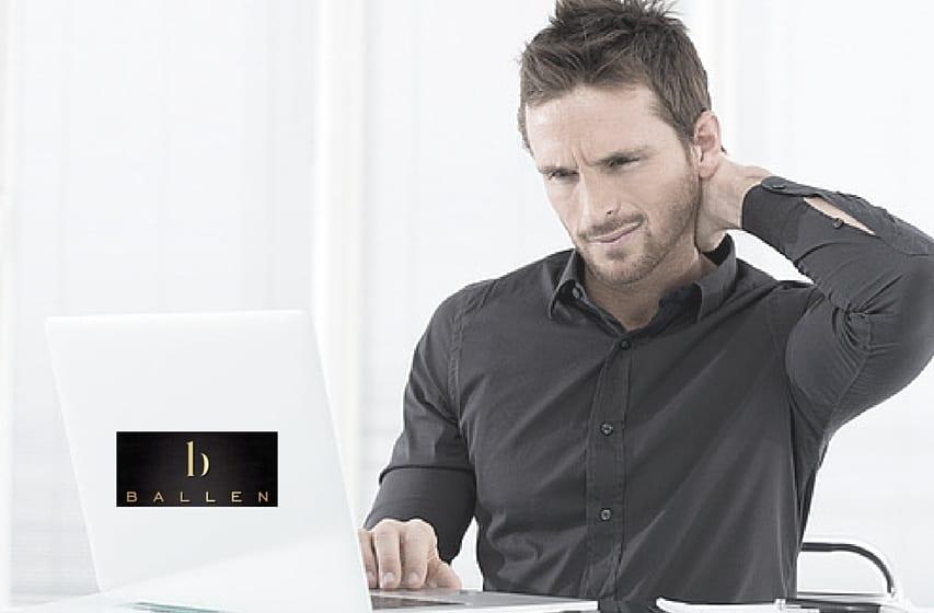 Blogging Man Doing it Wrong