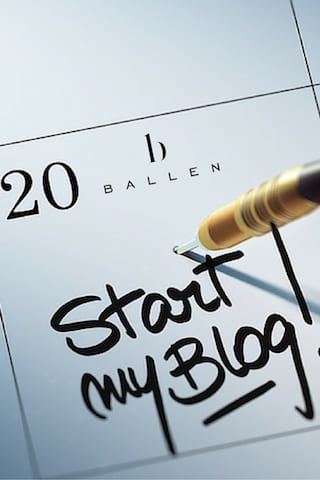 How to Get More Traffic To Your Website Through Blogging | Writing a Daily Blog